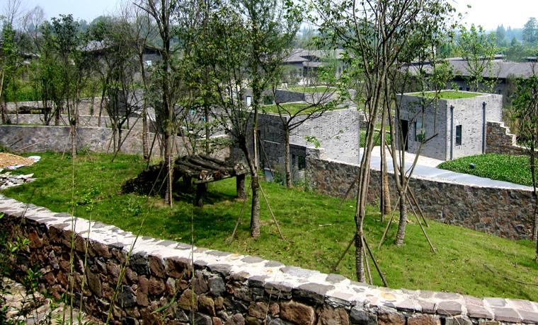 大熊猫猫舍及运动场